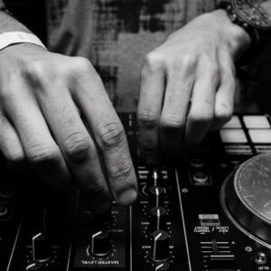 DJ ADVANCE